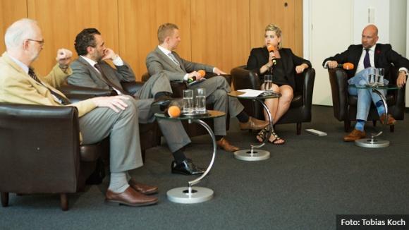 """""""Datenschutz oder Datenpolitik? Was bringt Deutschland voran?"""""""