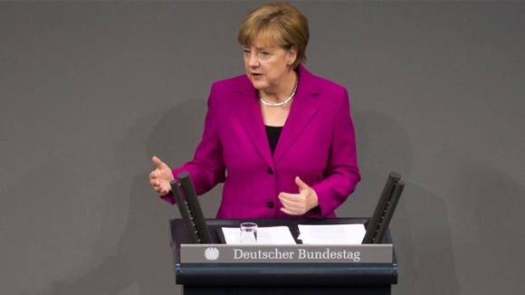 Angela Merkel im Deutschen Bundestag (Foto: Tobias Koch)
