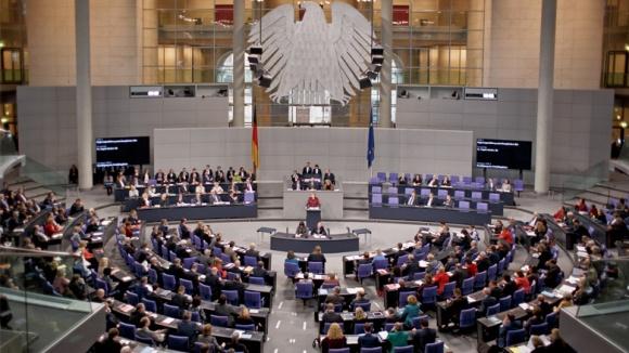 Merkel: Historische Bewährungsprobe für die EU