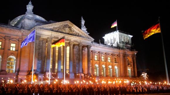 Zapfenstreich: 60 Jahre Bundeswehr