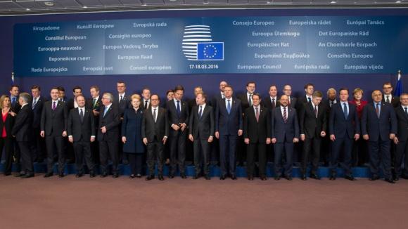 Familienfoto beim EU-Rat am 17. März 2016