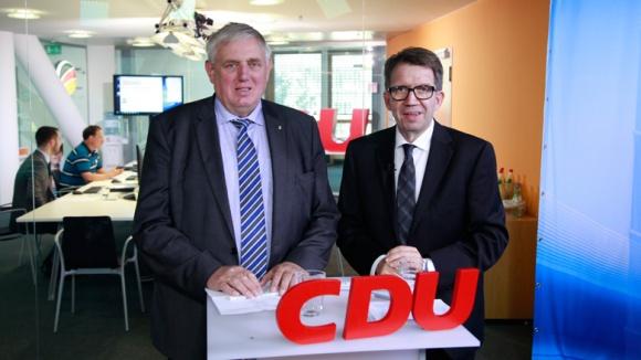 Laumann: Ehrenamt hält Gesellschaft zusammen