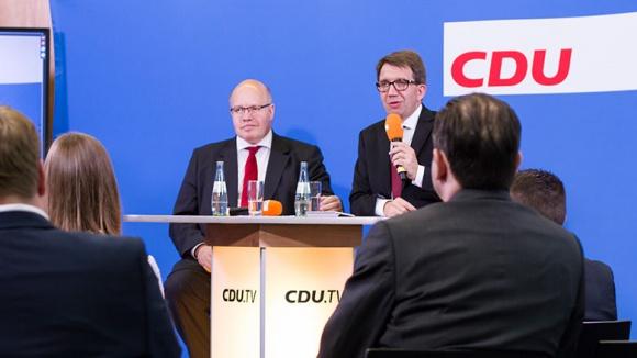 CDU Live mit Kanzleramtsminister Peter Altmaier und Moderator Frank Bergmann