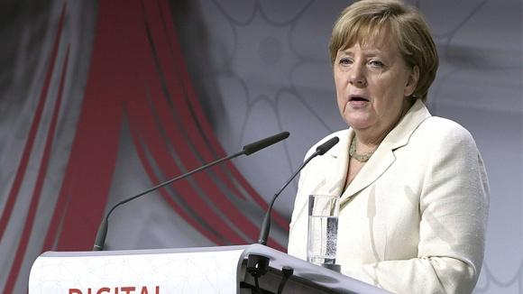 Merkel: Digitaler Wandel birgt eine Menge Chancen