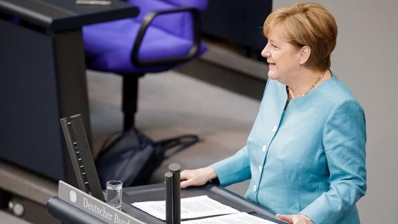 Angela Merkel bei der Regierungserklärung im Bundestag
