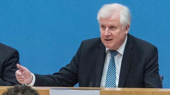 Bundesinnenminister Horst Seehofer (CSU) während der Pressekonferenz zur Aufklärung des Daten-Diebstahls