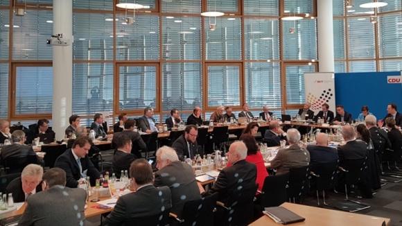 Sitzung des MIT-Bundesvorstands im Beisein der CDU-Vorsitzenden Annegret Kramp-Karrenbauer, MIT-Chef Dr. Carsten Linnemann und Jens Spahn MdB