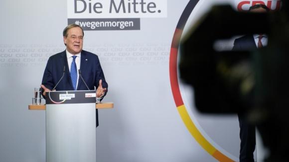 CDU-Vorsitzender Armin Laschet nach der Verkündung des Briefwahlergebnisses im Konrad-Adenauer-Haus Berlin