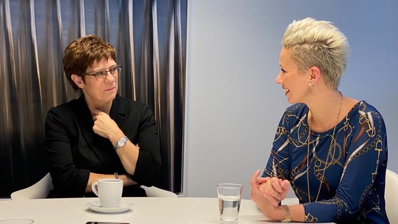 Im Gespräch: Annegret Kramp-Karrenbauer und Silvia Breher