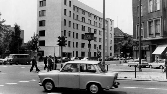 8. August 1989: Die Ständige Vertretung in Ost-Berlin schließt ihre Türen